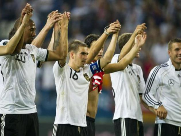 Germany lead Euro giants in qualifying for 2012