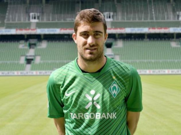 Bremen defender Papastathopoulos keeps it short