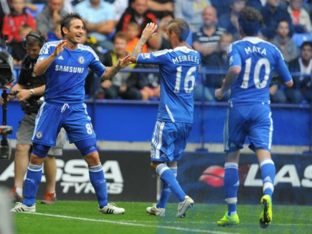 Lampard treble helps Chelsea destroy Bolton