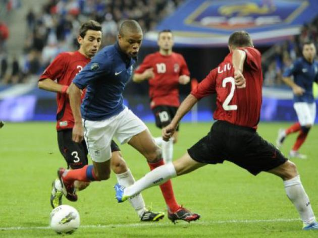 France down Albania to close on Euro 2012