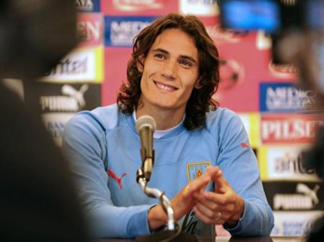 Cavani's house burgled while on international duty