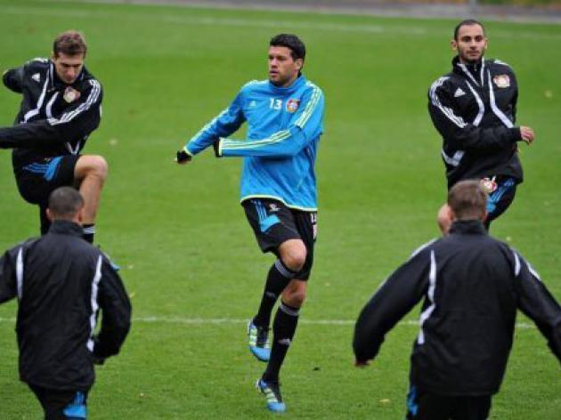 Ballack eager for victory over Valencia
