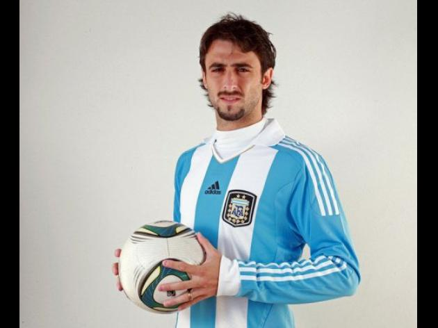 Sevilla to sign Argentina defender from Spartak