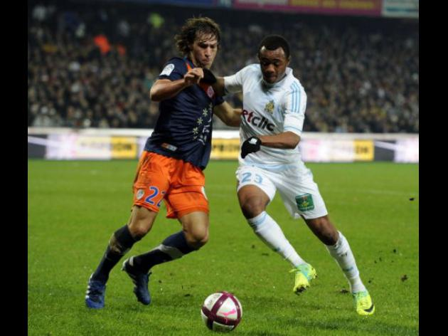 Montpellier keep heat on PSG