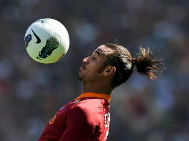 Tottenham to sign Roma's Osvaldo
