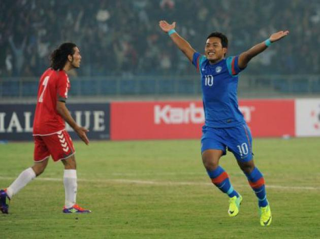 India retain SAFF title