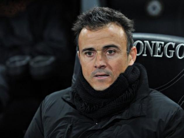 Roma coach Enrique dismisses questions on future