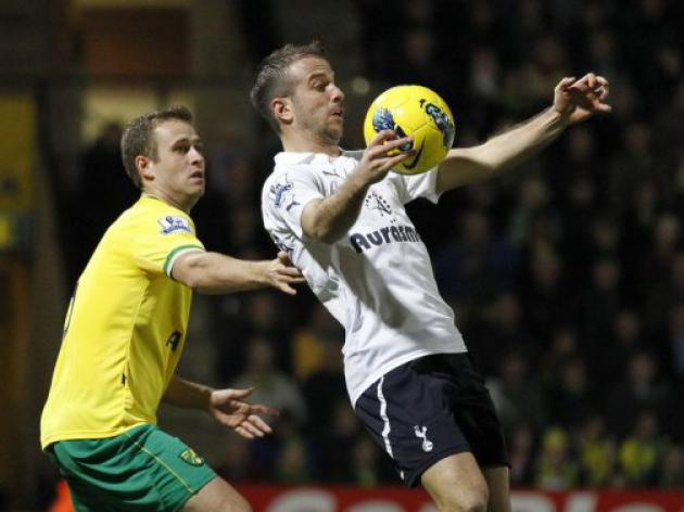 Van der Vaart wants Spurs to show killer instinct