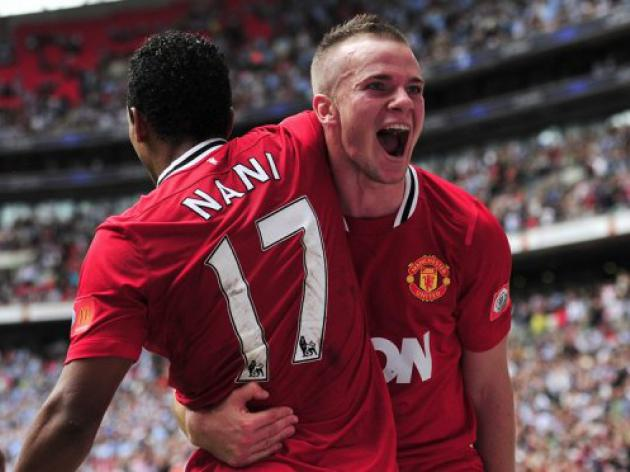 Man Utd's Cleverley on course to face Liverpool