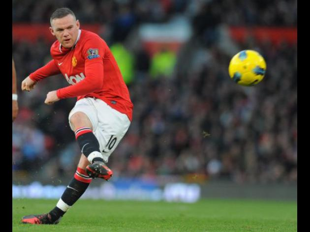 Rooney tells Man United to focus on Van Persie