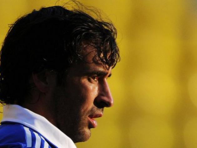 Schalke hopeful of extending Raul's stay