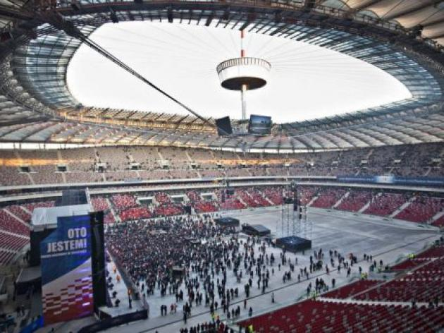Polish national stadium rocks on its inauguration