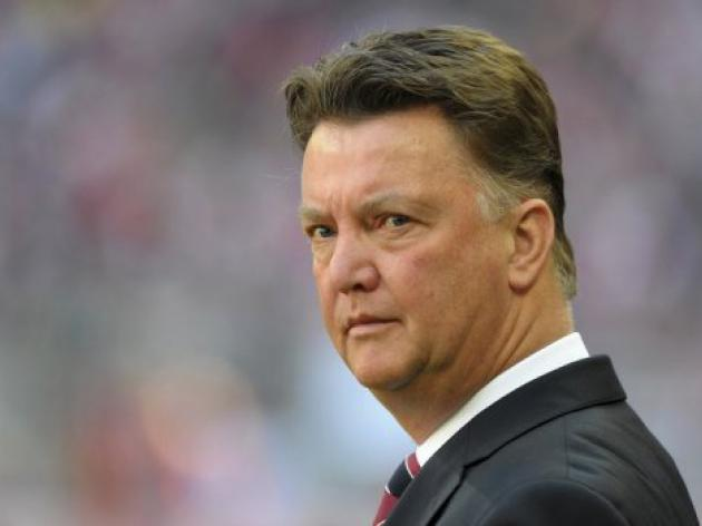 Ajax in crisis as board quits over van Gaal row