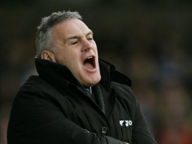 Wednesday make Dave Jones manager