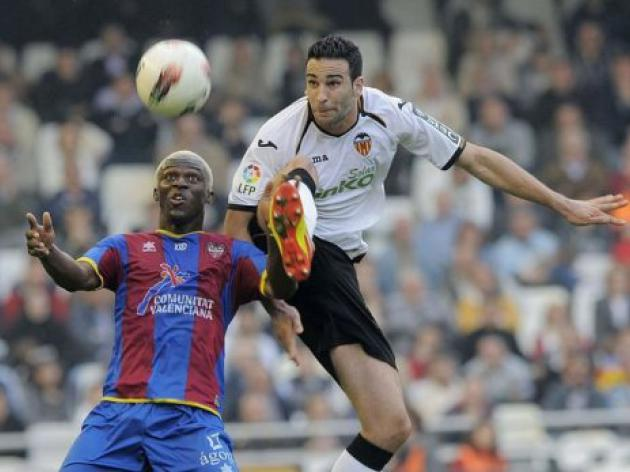 Valencia jeered off after Levante stalemate