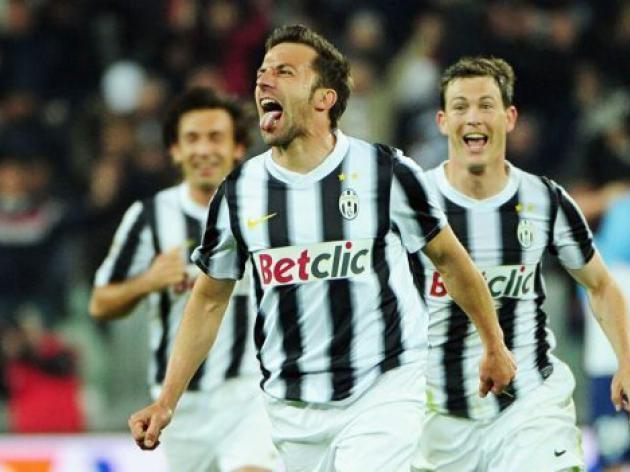 Del Piero sends Juve back top