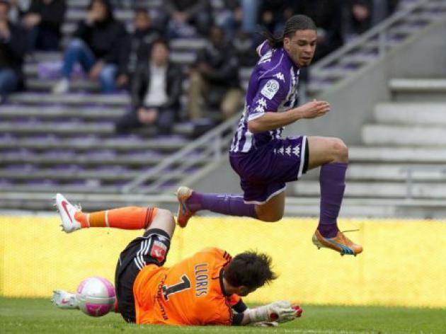 Lyon's top-three challenge fades in Toulouse