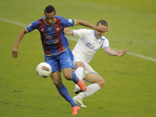 Levante keep up Champions League push