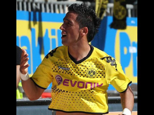 Dortmund's Barrios signs for Guangzhou
