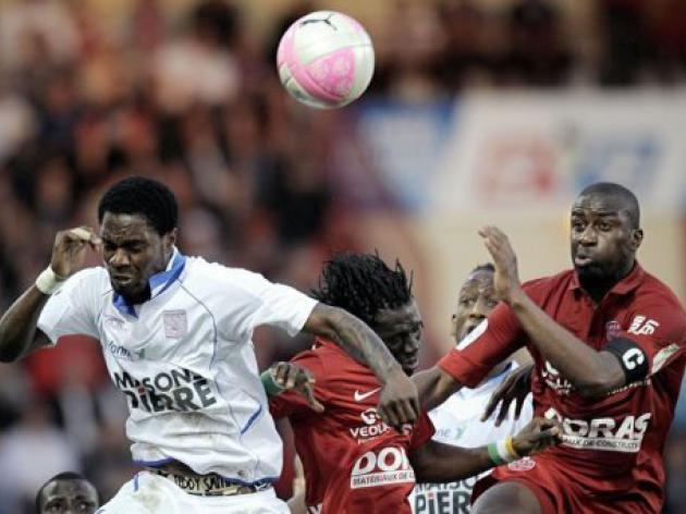 Auxerre spark late survival bid