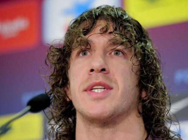 Puyol undergoes knee surgery