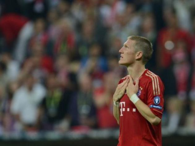Schweinsteiger apologises for snubbing German president