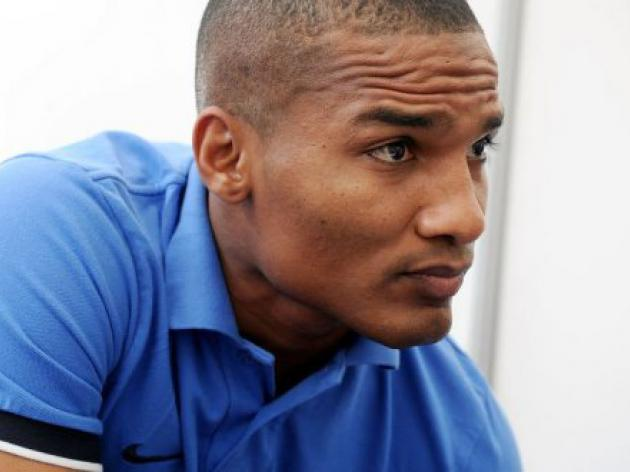 Malouda insists he's staying at Chelsea