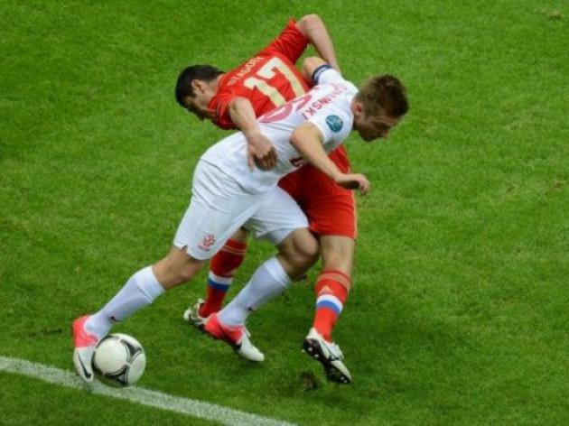 Poles frustrate Russians, Czechs bounce back at Euro 2012