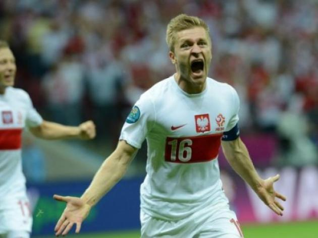 Co-hosts Poland face must-win Euro 2012 game