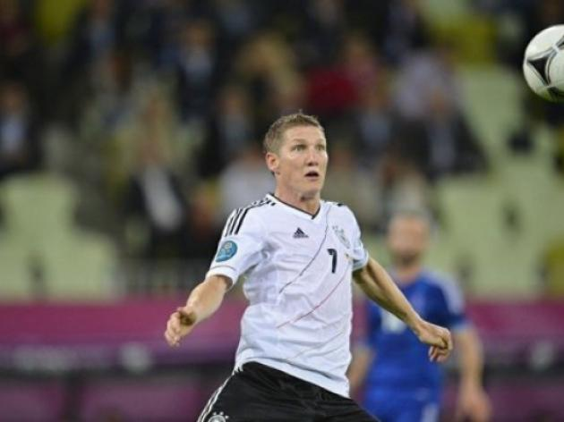 Lahm backing Schweinsteiger to be fit for Germany