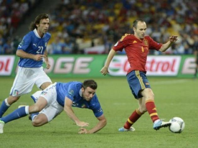 Iniesta wins Euro 2012 player award
