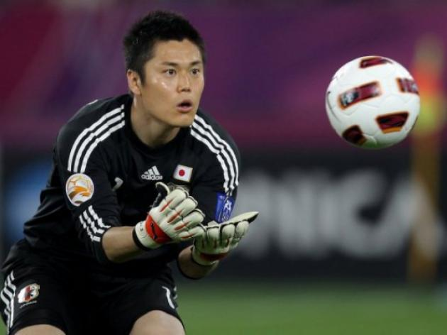 Japan keeper Kawashima signs for Standard Liege