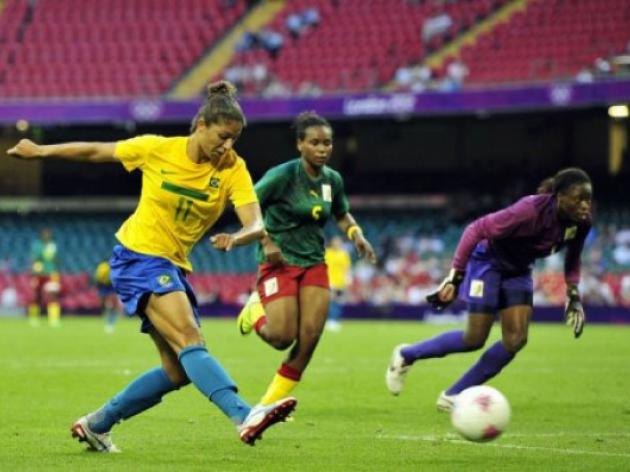 Cristiane sets goal record as Brazil hit five