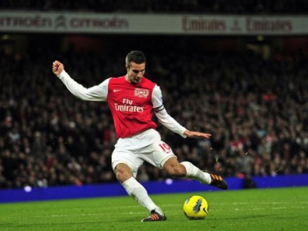 Wenger says no offers for van Persie