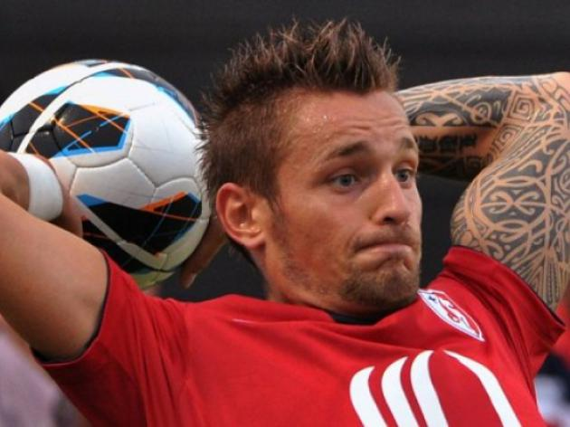 Debuchy staying, say Lille