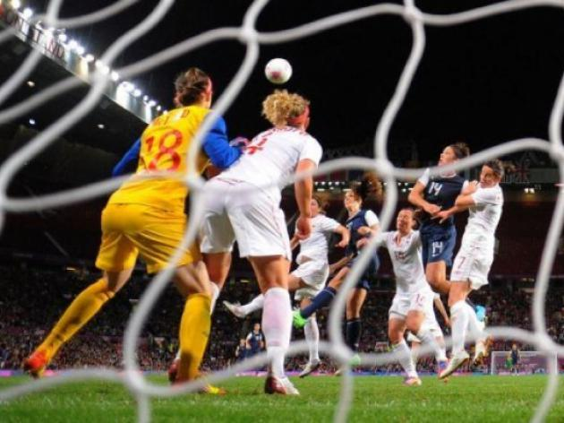 USA into womens football final after extra-time thriller