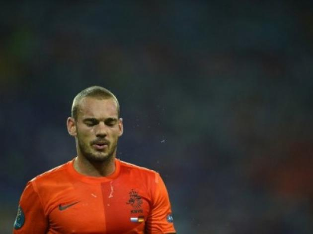 Van Gaal appoints Sneijder as new captain