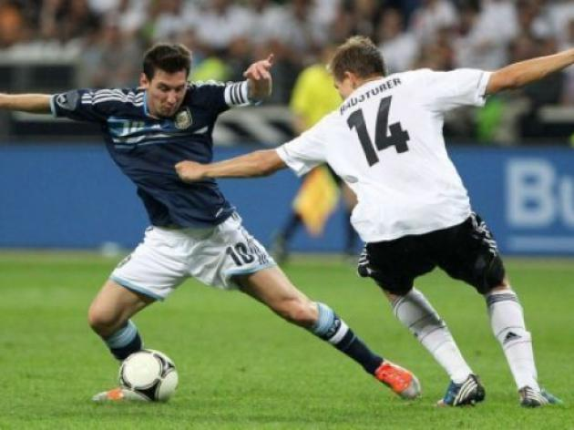 Argentina swat ten-man Germany in friendly