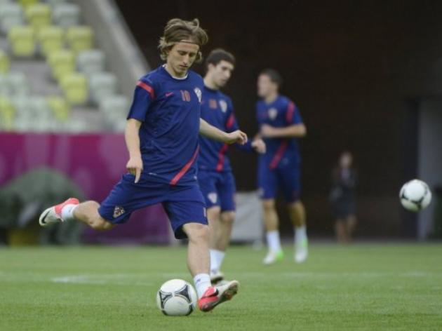 Modric move wont disrupt Spurs: Villas-Boas