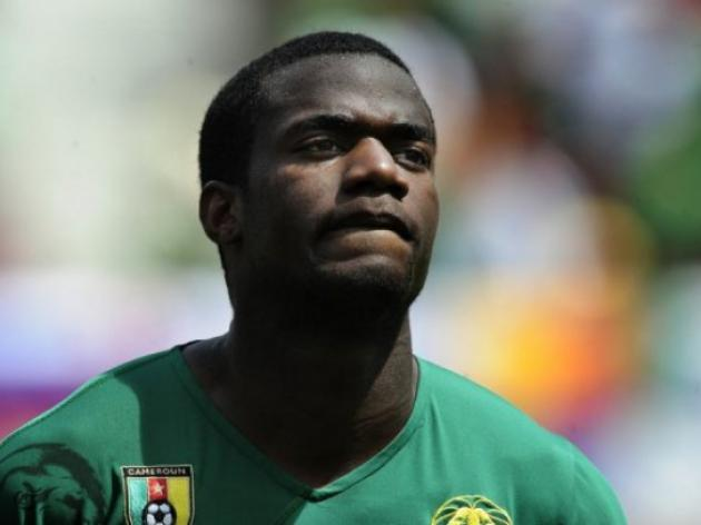 Spurs defender Bassong joins Norwich
