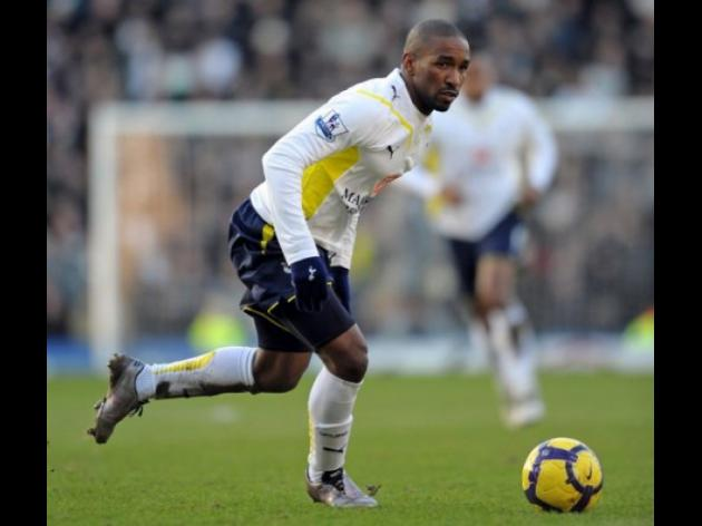 Defoe agrees new Tottenham contract