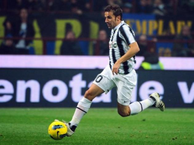 Italy great Del Piero signs for Sydney