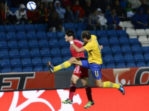 Elmander on target as lacklustre Sweden beat China