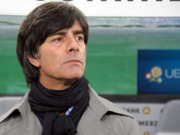Loew gets backing of Germany bosses