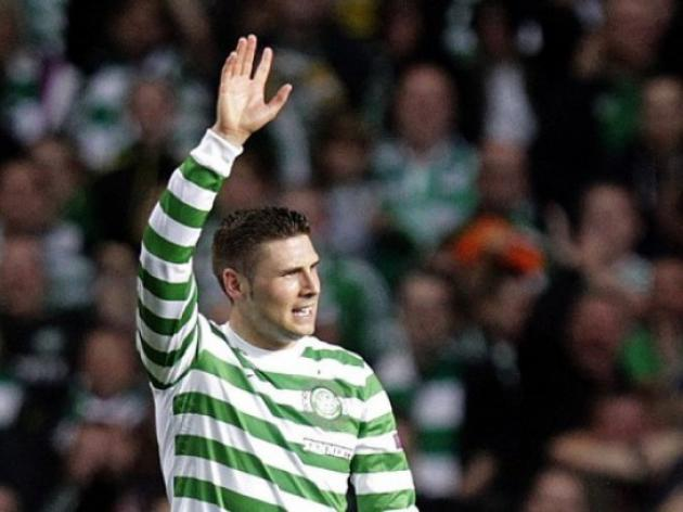 Hooper hits four as Celtic crush Raith