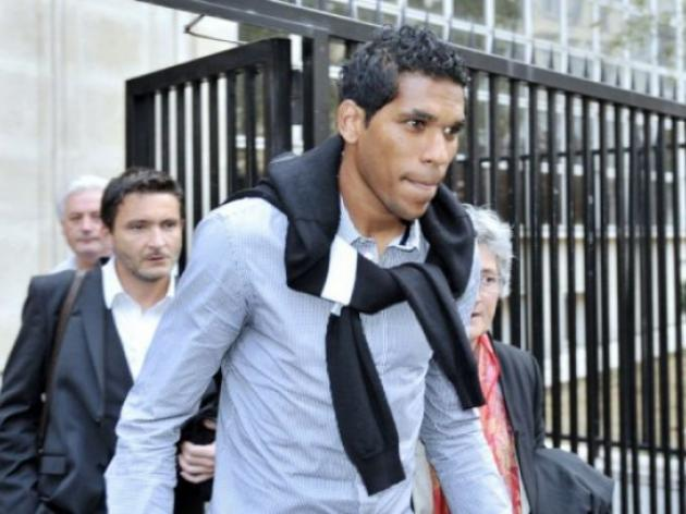 Footballer Brandao rape charge dropped