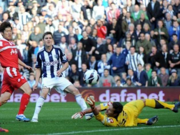West Brom pile pressure on Hughes