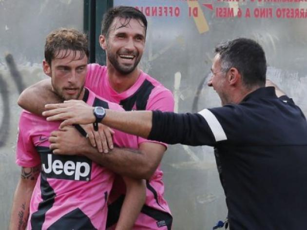 Juve extend lead as Klose strikes for Lazio