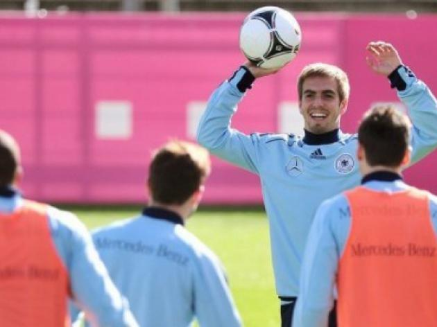 Germany more unified than at Euro 2012: Lahm