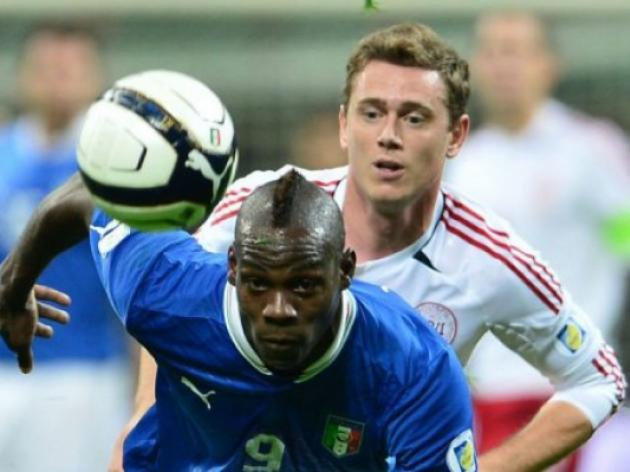 Super Mario strikes as ten-man Italy beat Denmark